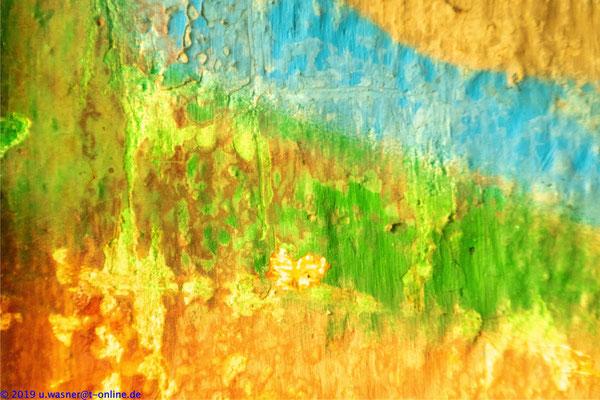 Grafitti in verfallenem Gebäude (Nahaufnahme)
