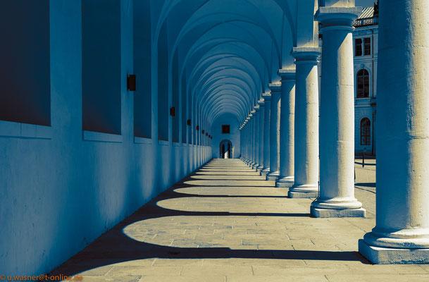 Säulengang im Dresdner Stallhof - bearbeitet