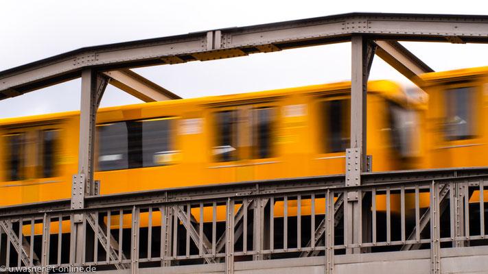 U-Bahn am Halleschen Tor Berlin