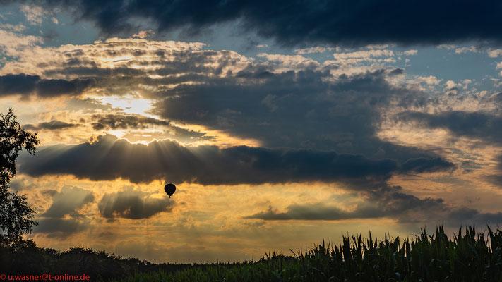 Ballonfahrt am Abend im Oldenburger Land