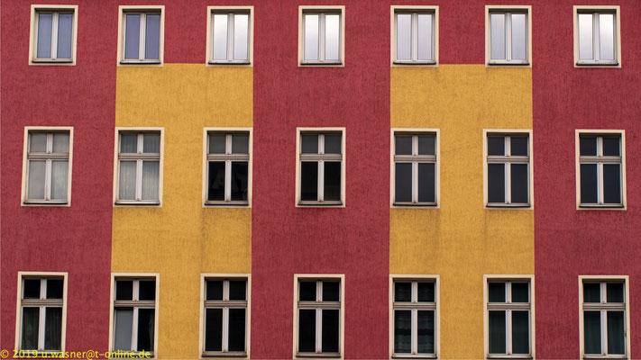 Mehrparteien Haus direkt am Hermannplatz