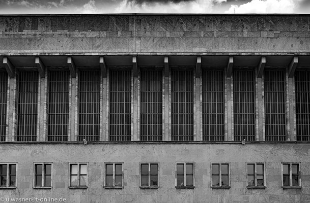 Hangar am Flughafen Berlin Tempelhof