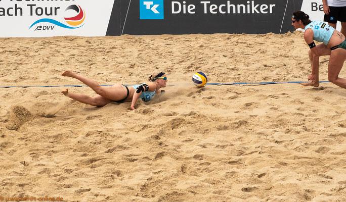 Beachvolleyball Juni 2019 - hier Anna Behlen + Anne Krohn