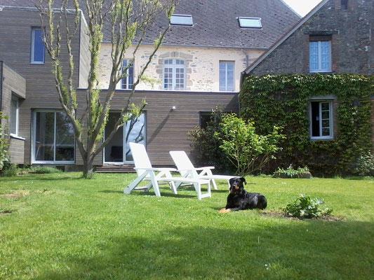 Le Nid des 2 Creuse vu du jardin