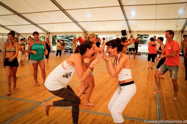 Yoga Dance Festival Lachyoga Workshopleiter: Thomas Topolanek 3