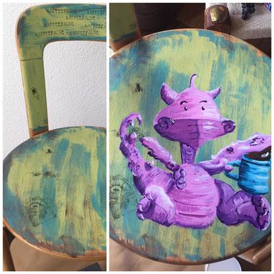 Zuwachs mit dem wunderbaren Stuhl von Rose d'Abeille, unserer Gastkünstlerin