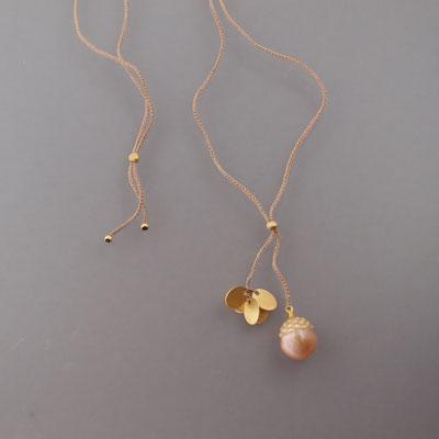 Collier, Plättchen, 750er Gold, gravierte Süsswasserperle