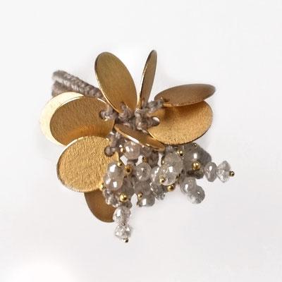 zwei Ringe zusammengefügt, 750er Gold, graue Diamanten