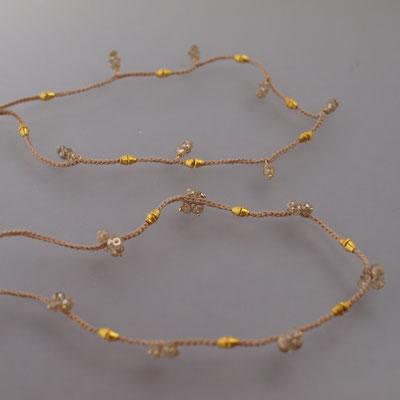 Armbänder, cognacfarbige Diamanten, 23kt Gold