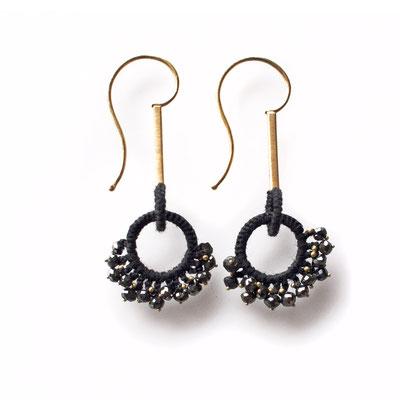 Ohrhänger, 750er Gold, schwarze Diamanten, verhäkelt mit Polyestergarn