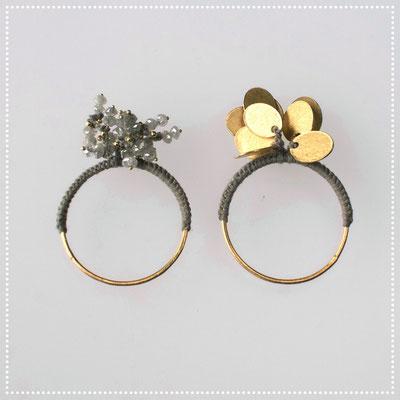 zwei Ringe, 750er Gold, graue Diamanten