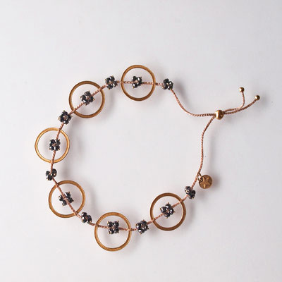 Armband Kreise, 750er Gold, schwarze Diamantblumen