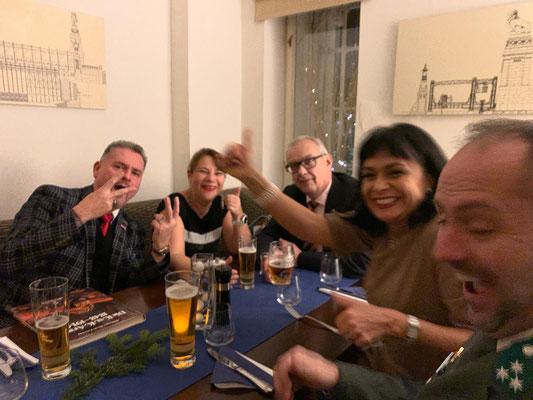 Feste feiern mit Freunden