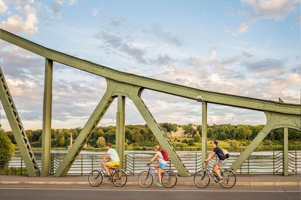 Mit dem Rad über die Glienicker Brücke