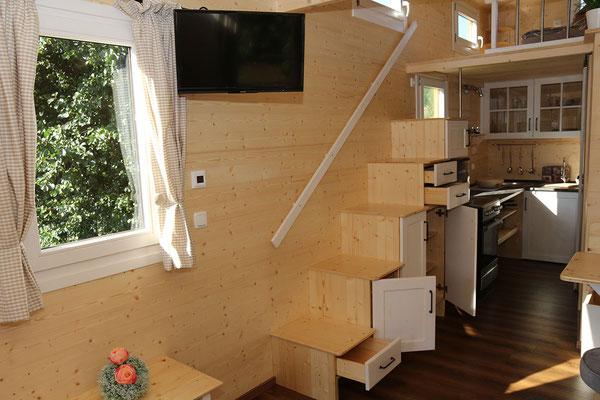 Treppenschrank Küchenzeile