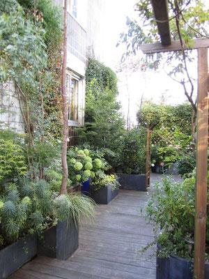 Terrasse et jardinières en zinc