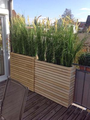 Balcon et jardinières en bois