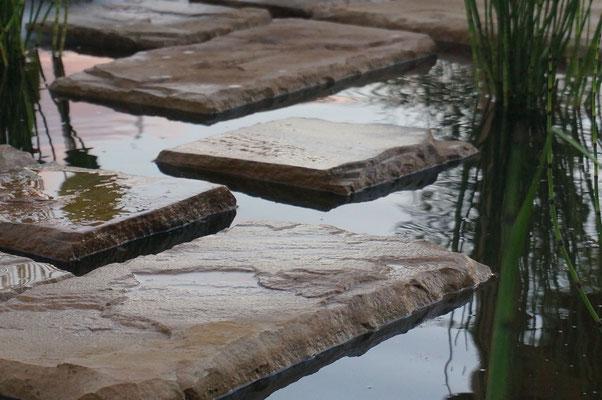 Dalles flottantes I Cour d'eau* © Rc-Paysage