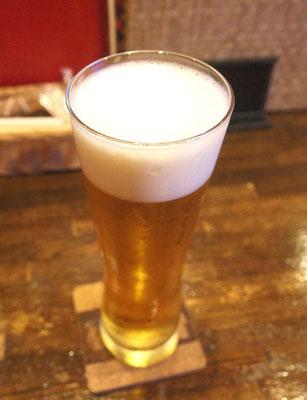 ダイニングバー・シロクマの生ビール