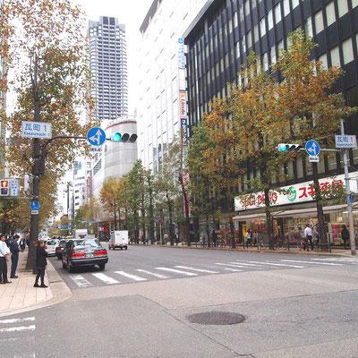 堺筋・瓦町の交差点