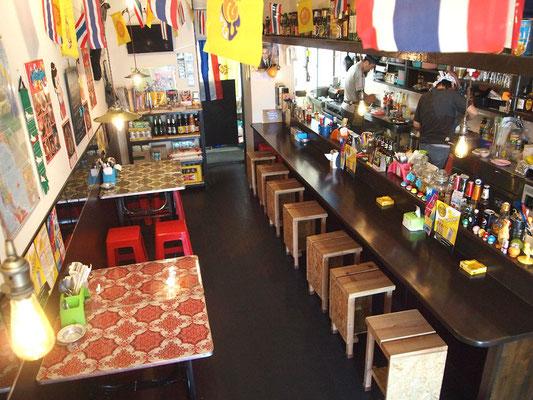 タイごはん屋ナムチムの店内風景
