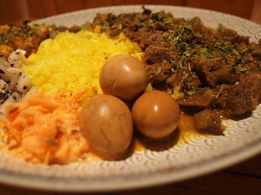 ディッシュカリー&レリッシュ(Dish curry & relish)・トッピングのスモークうずら