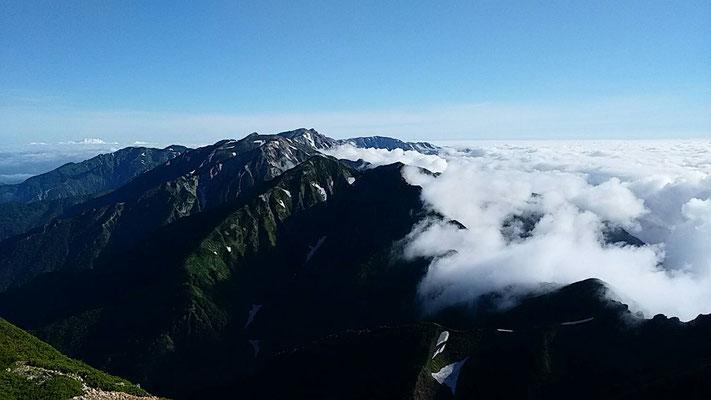 五竜岳から見た白馬方面の展望
