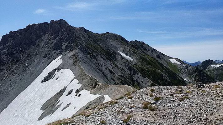 別山から見た真砂岳