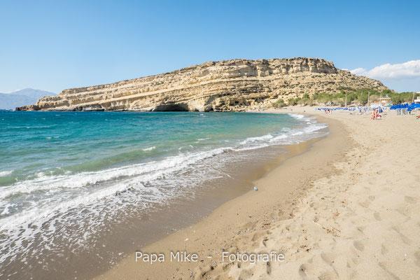 Strand und Höhlen von Matala