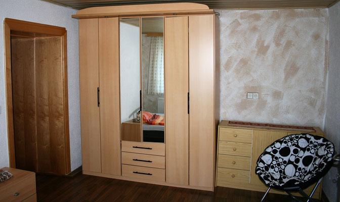 Schrank im Einbettzimmer (c) TVB Böhmerwald