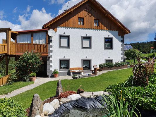 Haus im Sommer (c) Maria Felhofer