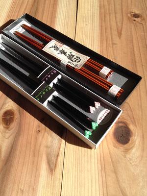 ハート箸 黒漆(青・ピンク)、飛騨春慶八角箸