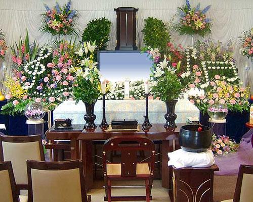 創価学会友人葬も花祭壇で承ります