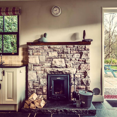 Kitchen - Railway Cottage in Glenbeigh