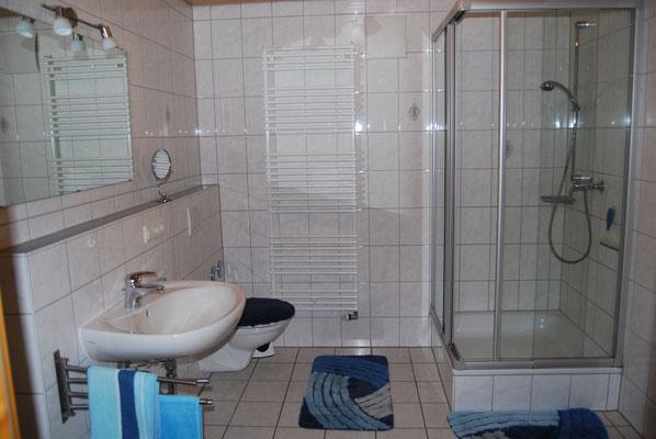 Badezimmer in der Ferienwohnung im Jörgenhof
