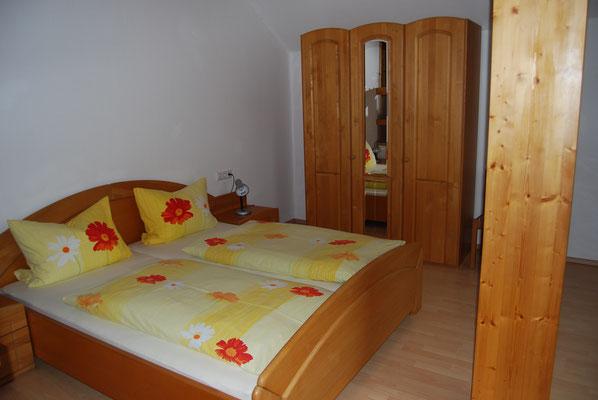 Schlafzimmer 2 in der Ferienwohnung im Jörgenhof