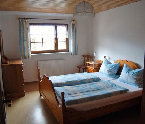 Schlafzimmer 1 in der Ferienwohnung im Jörgenhof