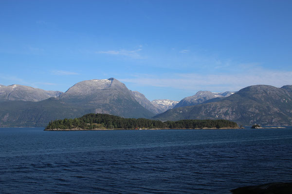 Mittags: grau-blaues Nicht-Satt-Seh-Panorama