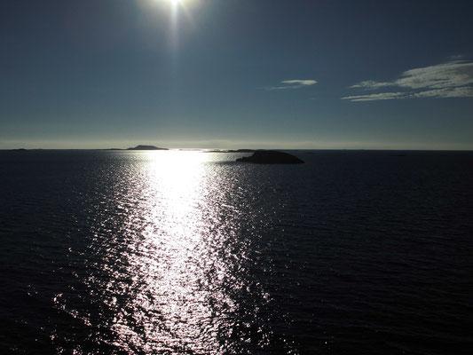 ... und dann ... die letzten Inselchen Norwegens... bis bald!