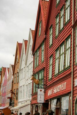 Natürlich schlendern wir durch Bryggen...