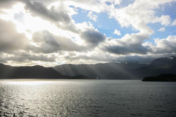 Morgens noch schöne Drama-Wolken, dann wieder...