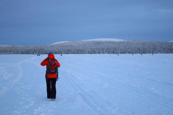 Das tollste an Finnland ist aber nunmal die Landschaft... wir laufen über den See...