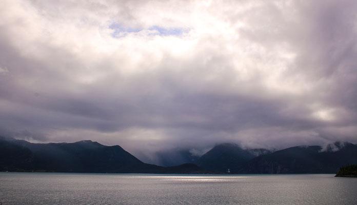 Und wieder schöne Wolkenmomente von der Terrasse aus :-)