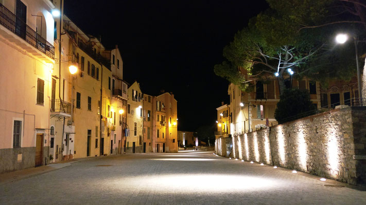 Piazza Parasio at night