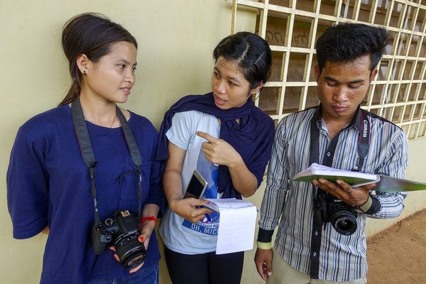 Working with Young reporters for Plan International Belgium, Phayl, ChongMoy and Chanral, Cambodia © François Struzik - simply human 2017