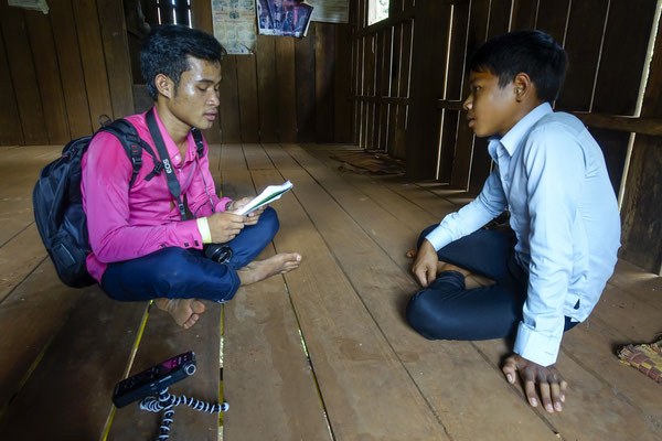 Working with Young reporters for Plan International Belgium, Chanral,  Cambodia © François Struzik - simply human 2017