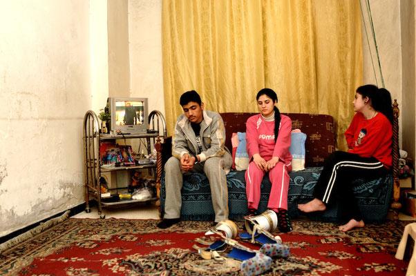 """Images adolescentes - """"Les Passeurs du réel"""" © François Struzik - simply human - Damascus, Syria."""