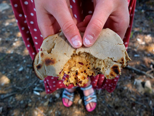 Baking bread - Dalsland - Sweden - © François Struzik - simply human 2014