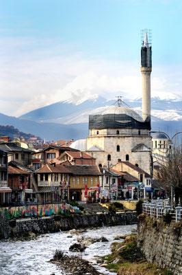 Prizren - © François Struzik - simply human 2008 - Kosovo - Sinan Pasha Mosque Xhamia e Sinan Pashës
