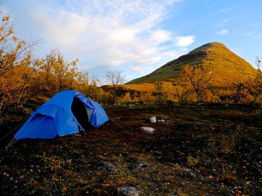 Hiking on Kungsleden- Lappland - Sweden - © François Struzik - simply human 2014 - Abiskojaure